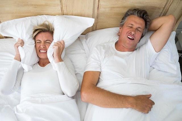 Smettere di russare: Adesso è possibile